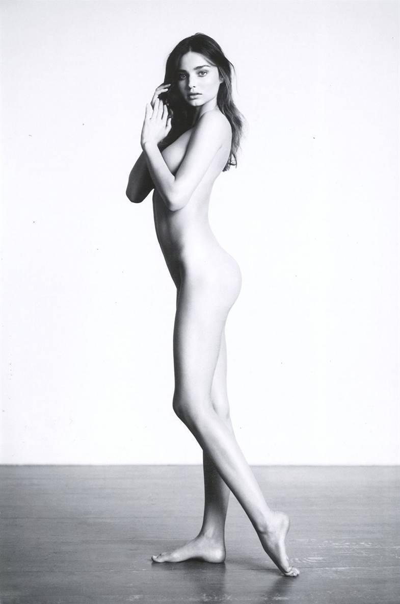 Miranda cosgrove nude with girls